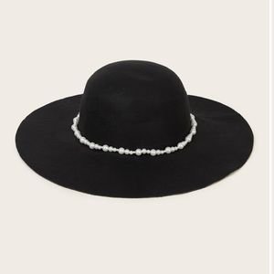 Accessories - 🖤🖤THE CUTEST FLOPPY HAT WITH FAUX PEARLS🖤🖤